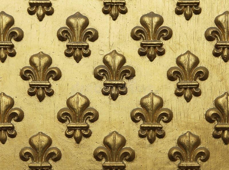 Fleur de Lis Картина в золоте стоковые фотографии rf