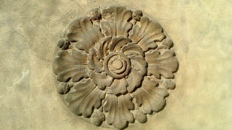 Fleur en pierre images libres de droits