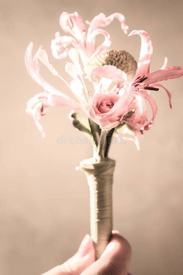Fleur pour le costume du marié photographie stock libre de droits