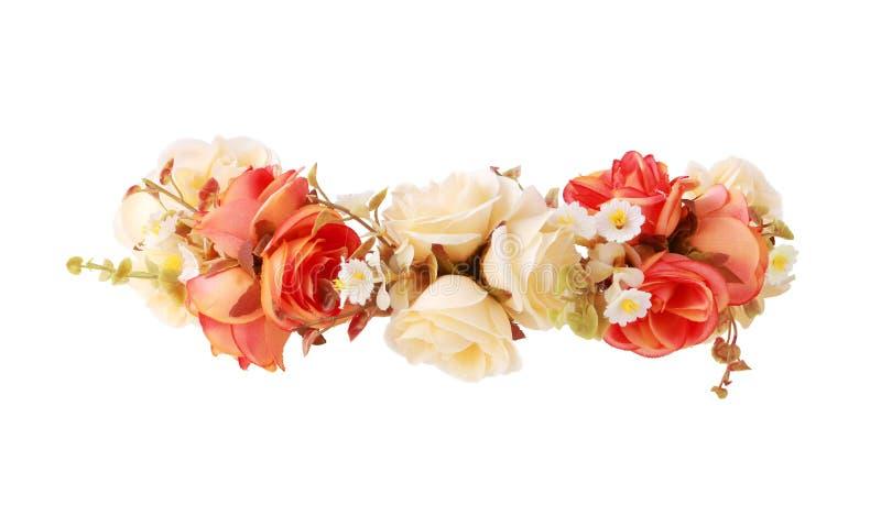 Fleurissez la couronne d'isolement sur le chemin de coupure blanc de fond images stock