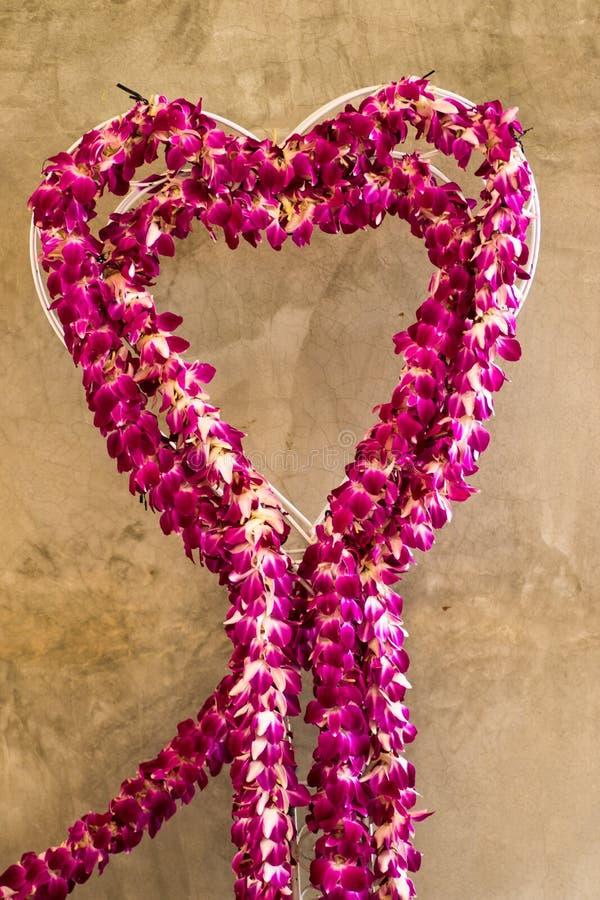 fleurit en forme de coeur photographie stock libre de droits
