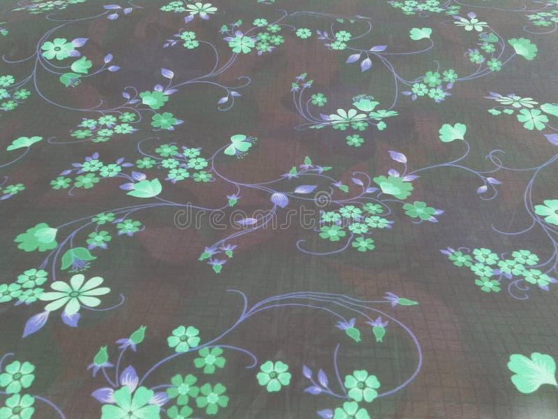 Fleurit intéressant pourpre vert-bleu image stock