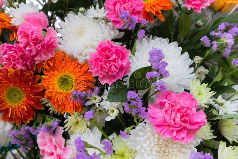 Fleurit le bouquet image stock