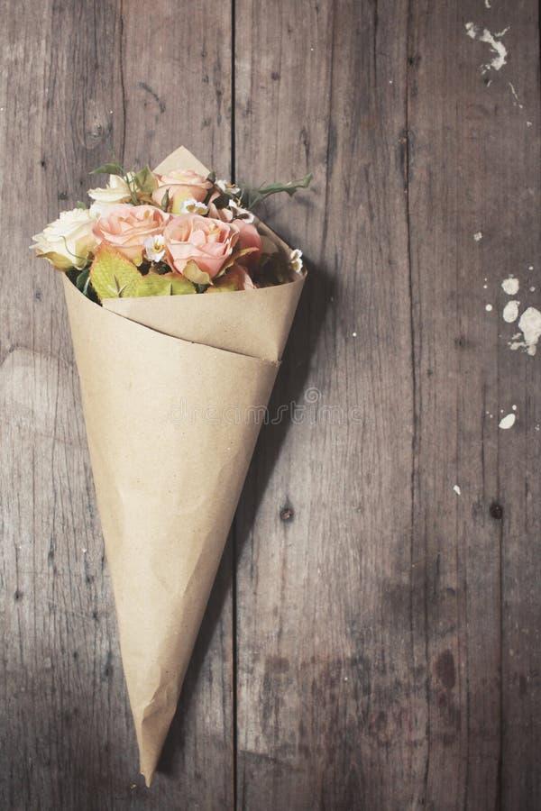 Fleurs artificielles de Rose photo stock