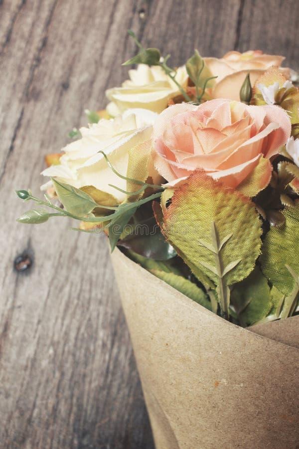 Fleurs artificielles de Rose photographie stock