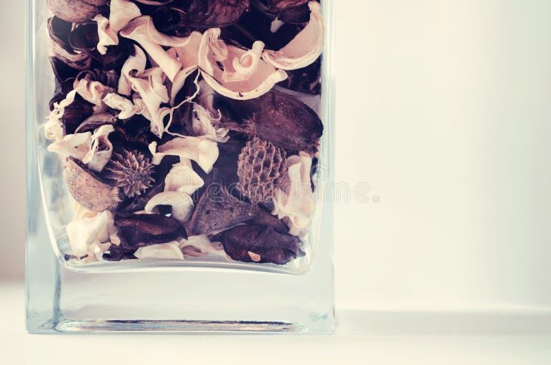 Download Fleurs dans le vase image stock. Image du agencement - 45353455