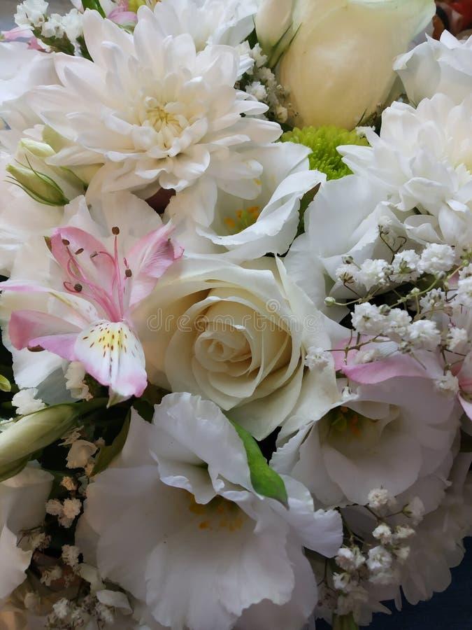 Fleurs de d?coration de mariage images libres de droits