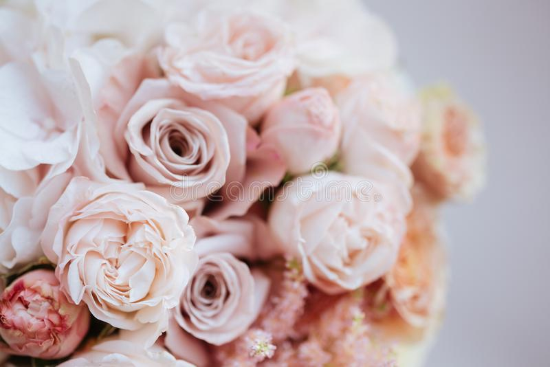 Fleurs de mariage, plan rapproch? nuptiale de bouquet photographie stock libre de droits