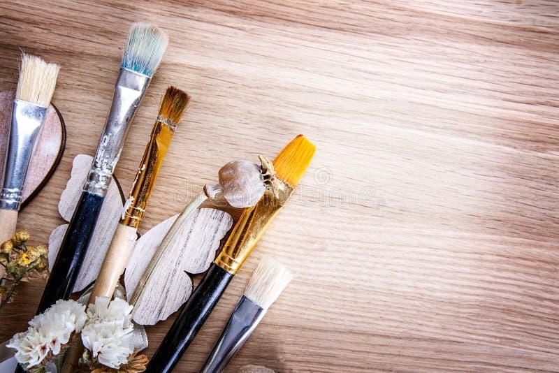 Fleurs en bois de brosse photographie stock libre de droits