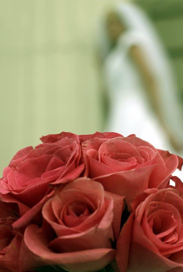 Fleurs et roses de mariage image libre de droits