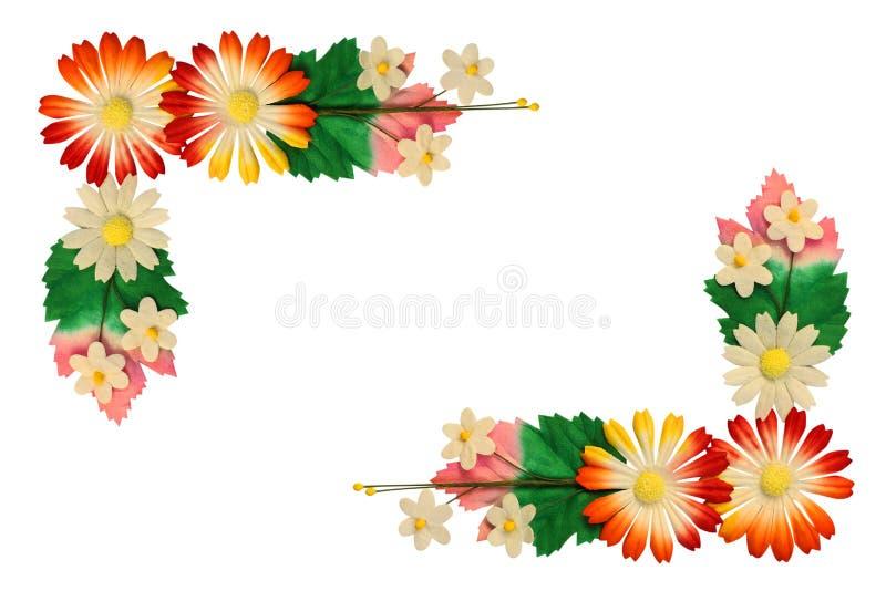Fleurs faites de papier coloré images stock