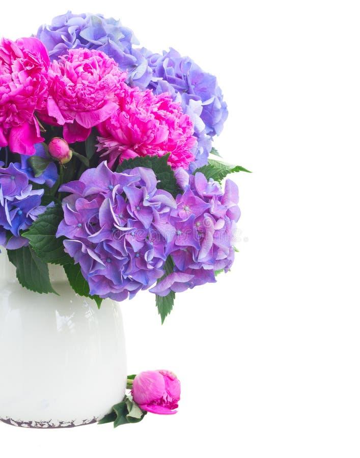 Download Fleurs Roses Et Bleues Lumineuses Photo stock - Image du pétale, vert: 77161040