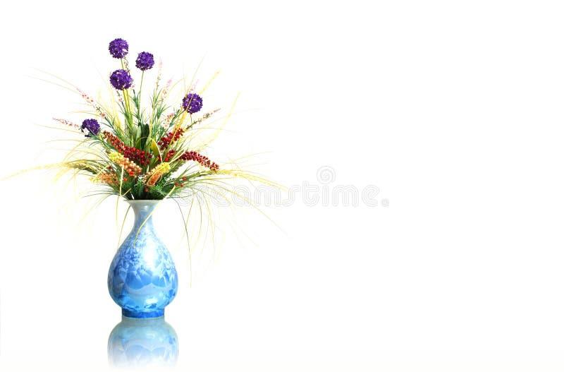 Fleurs sèches dans le vase photo libre de droits