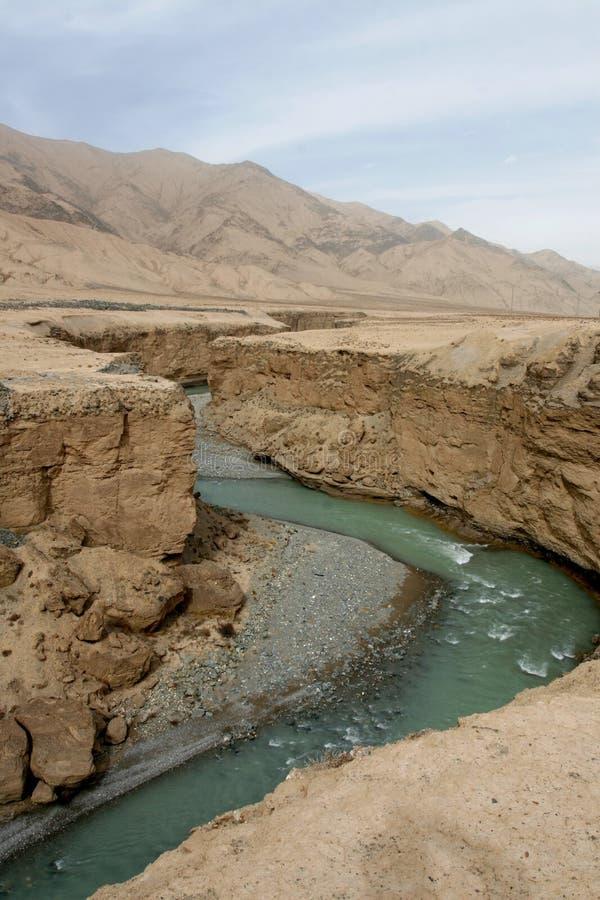 Fleuve dans l'altiplano photo stock