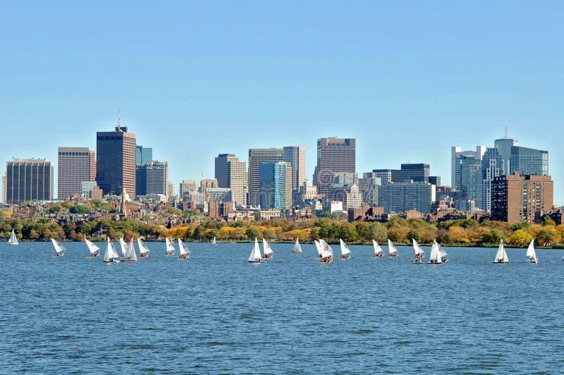 Download Fleuve de Charles Boston image stock. Image du voile - 87700259