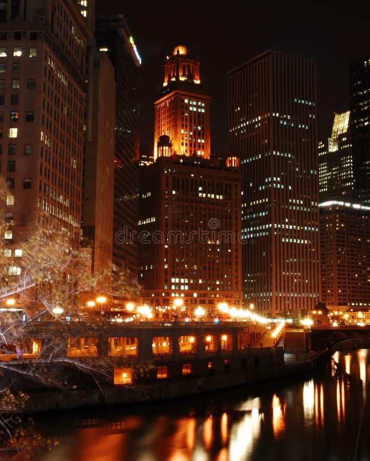 Fleuve de Chicago la nuit photographie stock