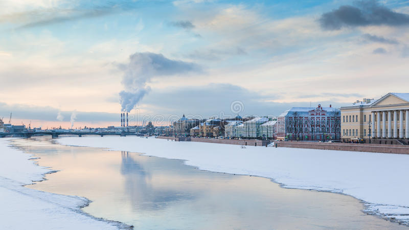 Fleuve de Neva image stock
