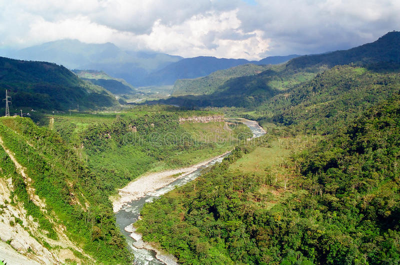Fleuve de Pastaza dans Banos, Equateur photographie stock libre de droits