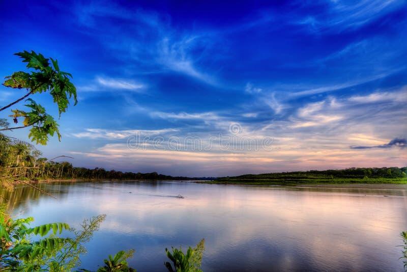 fleuve de soirée image stock