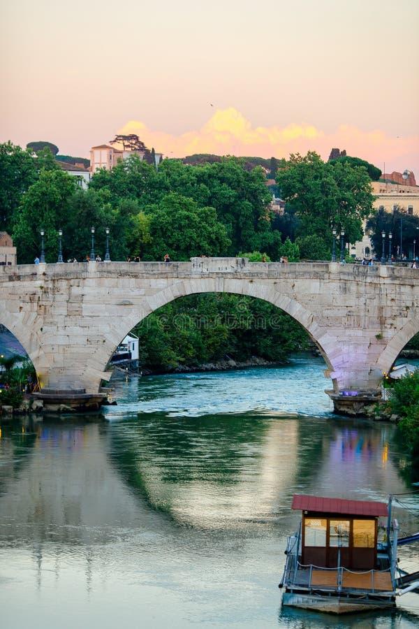 Fleuve de Tiber à Rome, Italie image libre de droits