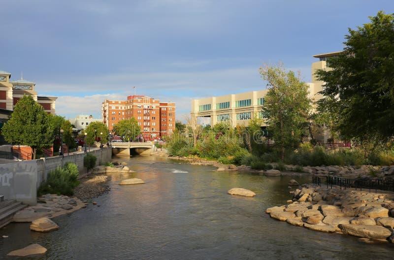 Fleuve de Truckee à Reno du centre, Nevada images libres de droits