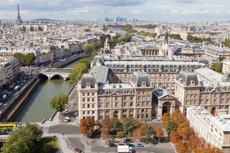 Fleuve Seine, du centre, tour Eiffel de première vue images libres de droits