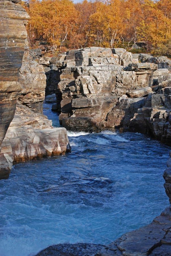 fleuve Suède de gorge d'abisko photographie stock libre de droits