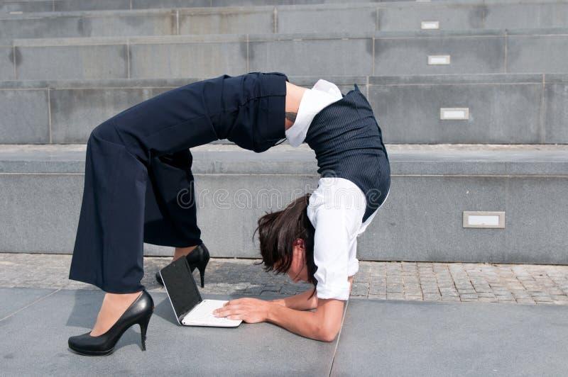Flexibele zaken - vrouw stock afbeeldingen