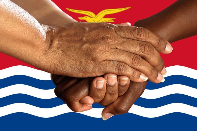 FlFlag de Kiribati, integraci?n de un grupo multicultural de gente joven imágenes de archivo libres de regalías