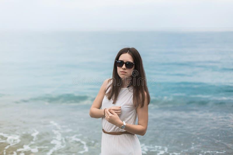 Flicka för Gurzuf Krim handelsresandehav arkivbild