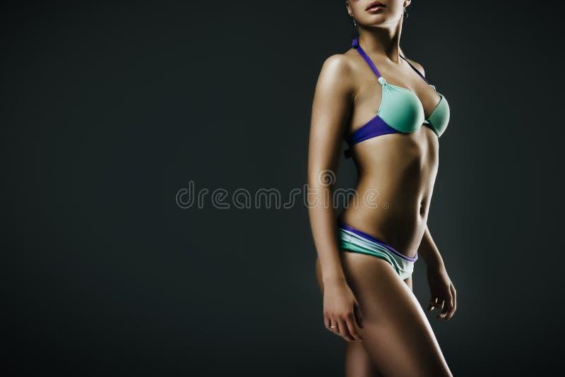 Flicka i swimwear royaltyfri fotografi