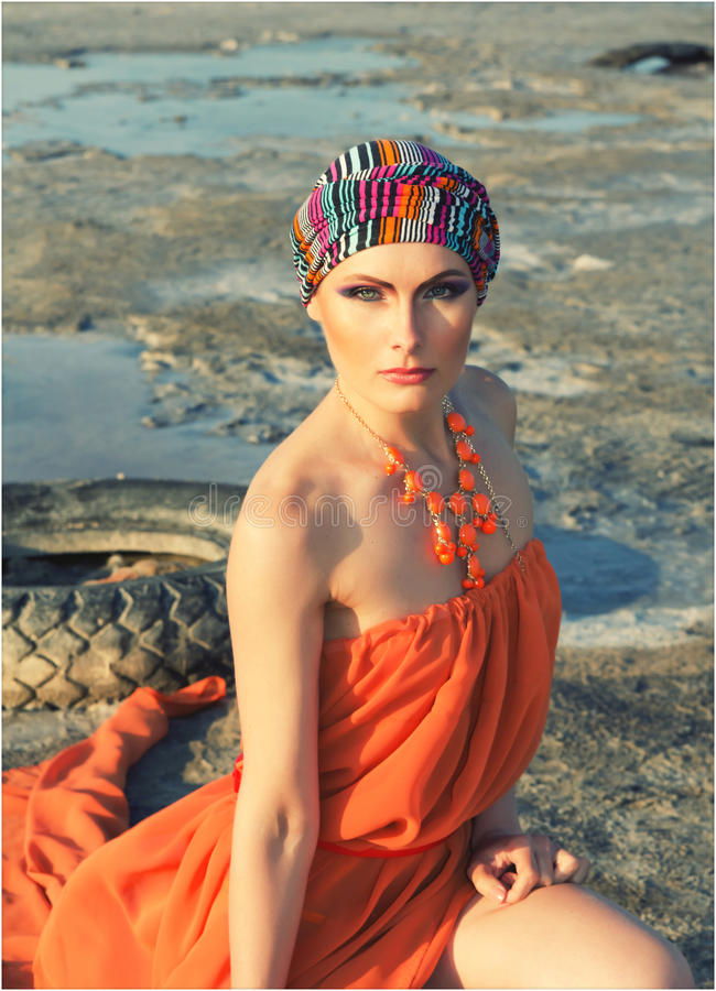 Flicka i turban arkivfoton