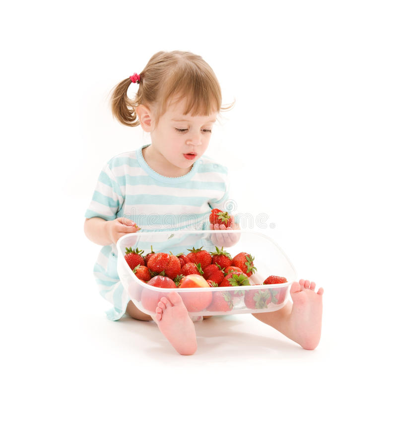 flicka little jordgubbe royaltyfri bild