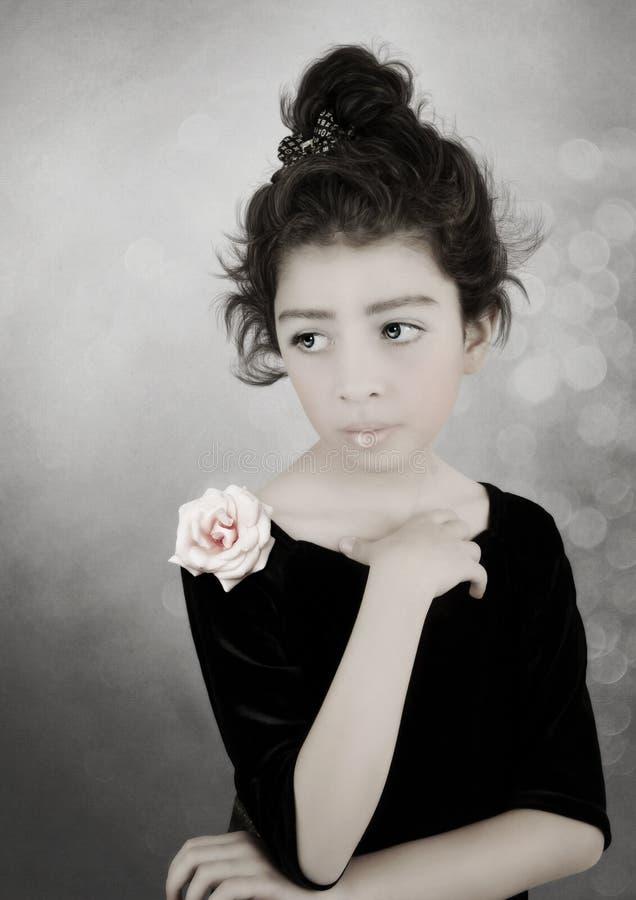 flicka little retro stil för stående fotografering för bildbyråer