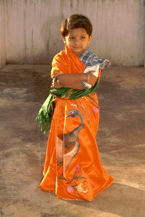 flicka little sari fotografering för bildbyråer