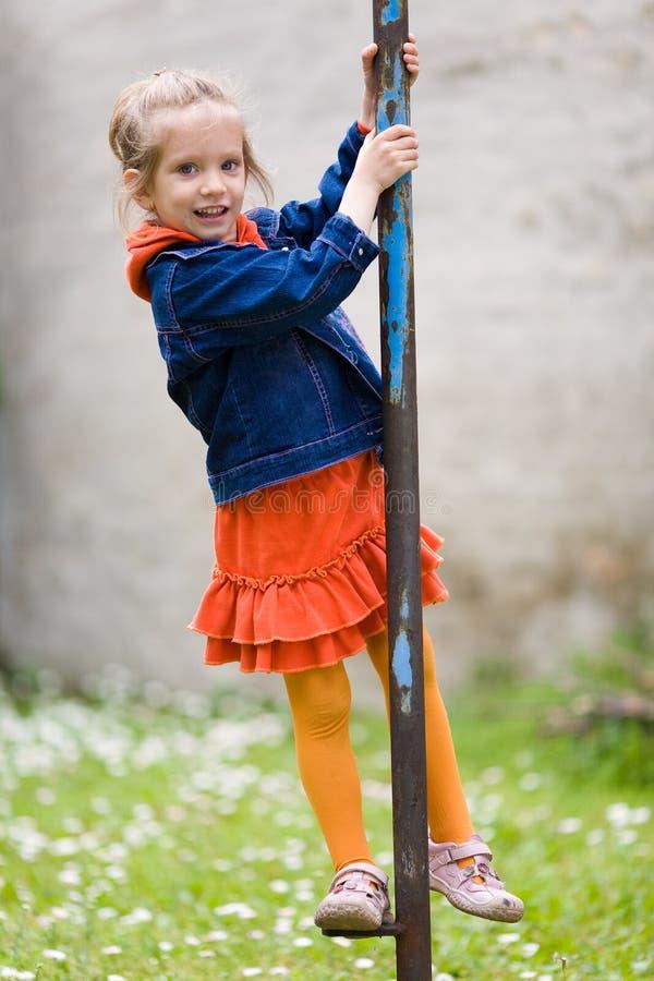 flicka little som är skämtsam royaltyfria bilder