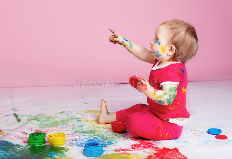 flicka little studio arkivfoton