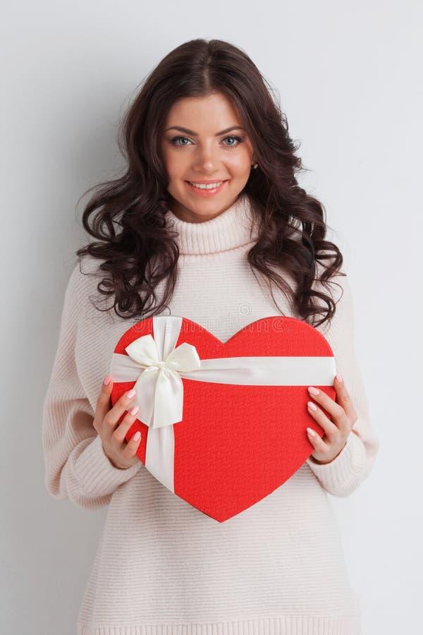 Flicka med denformade asken royaltyfri foto