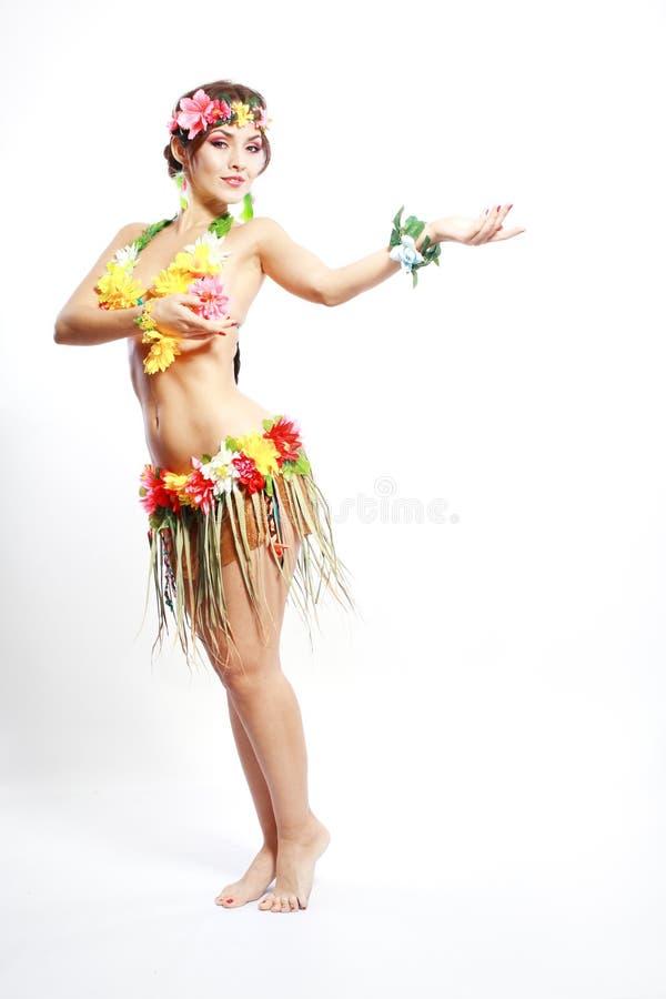 Flicka med hawaiansk tillbehör royaltyfria bilder