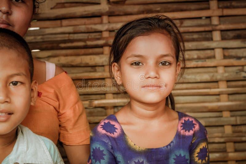 Flicka med stjärnor i Nepal royaltyfri bild