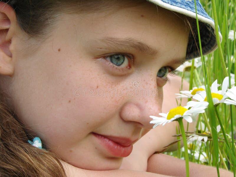 Flicka med tusenskönor royaltyfri bild