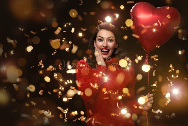 Flicka på valentin dag fotografering för bildbyråer