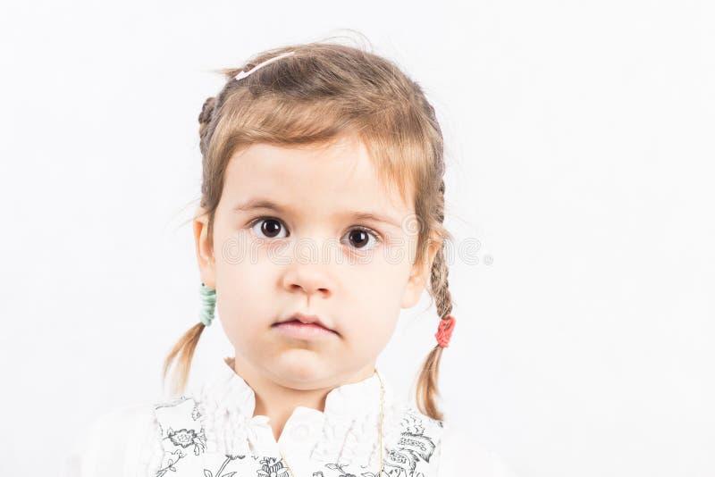 flicka som isoleras little som är vit royaltyfria foton