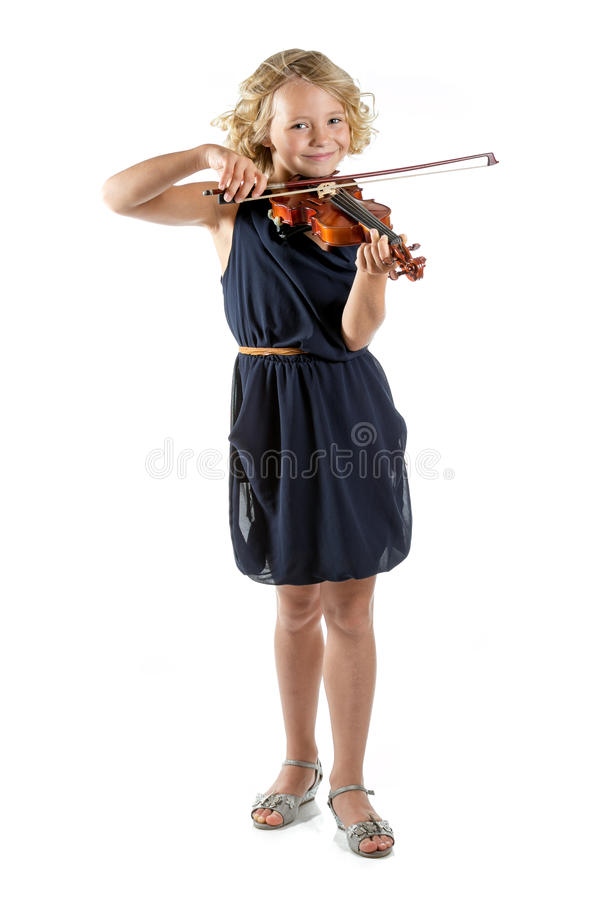 Flicka som spelar en fiol på vit bakgrund fotografering för bildbyråer