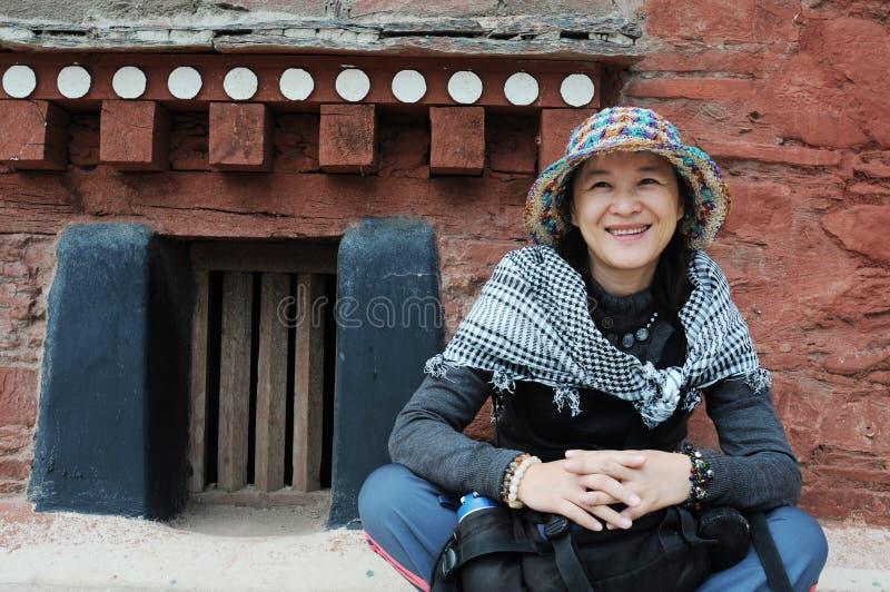 flicka tibet royaltyfria bilder