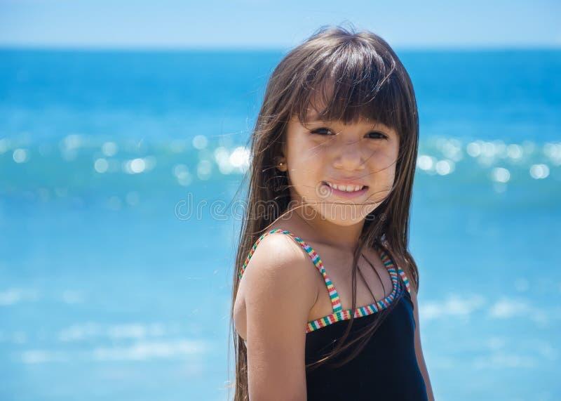 Flicka vid havet royaltyfria foton