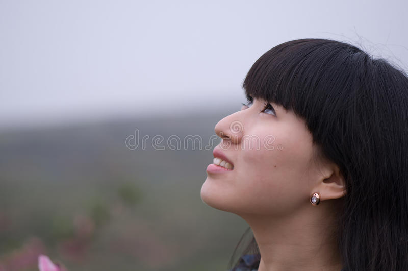 Flickablick upp till himlen royaltyfri bild