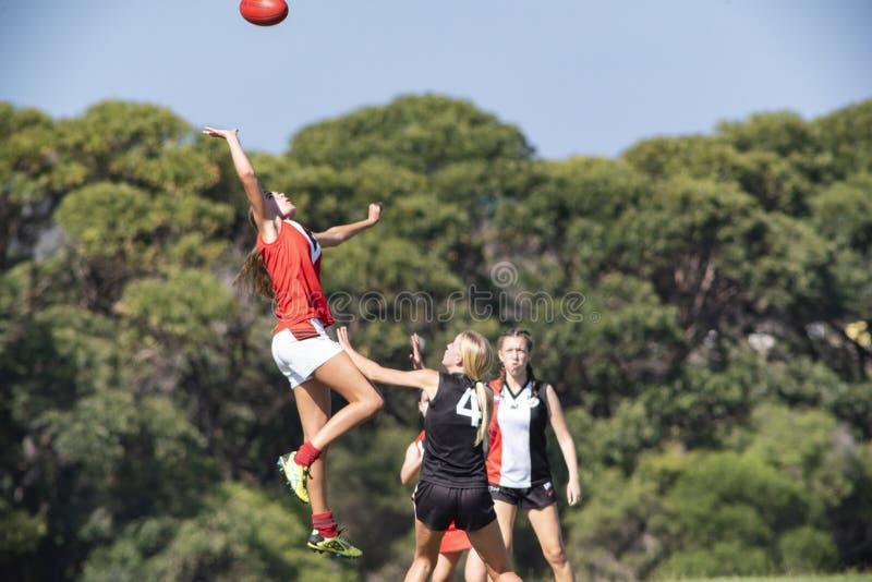 Flickafotbollsport - australisk fotbollliga arkivfoton
