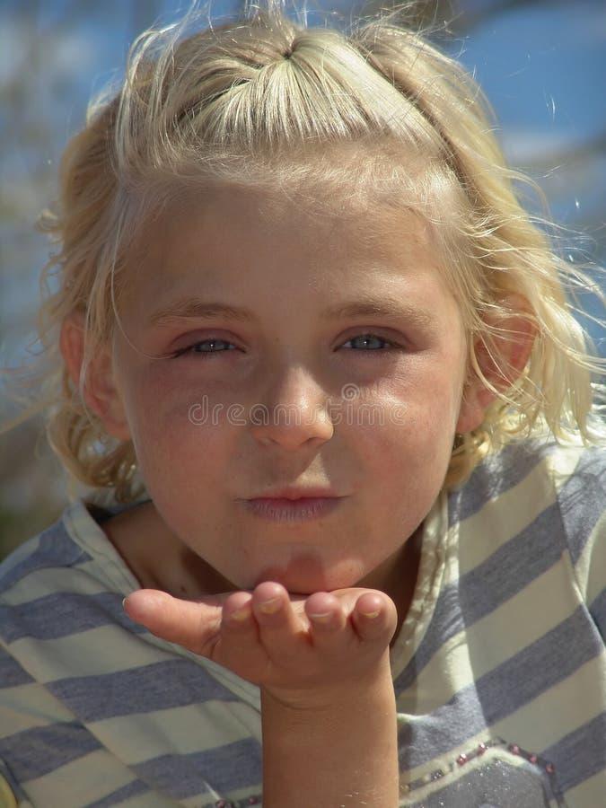 flickahand - rymt ut barn arkivbild