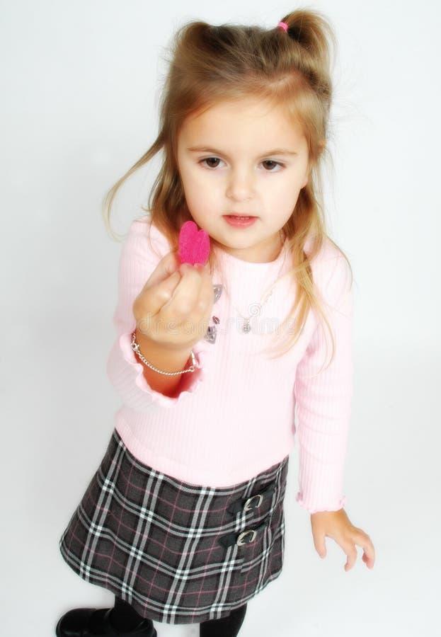 flickahjärtaholding little royaltyfri fotografi